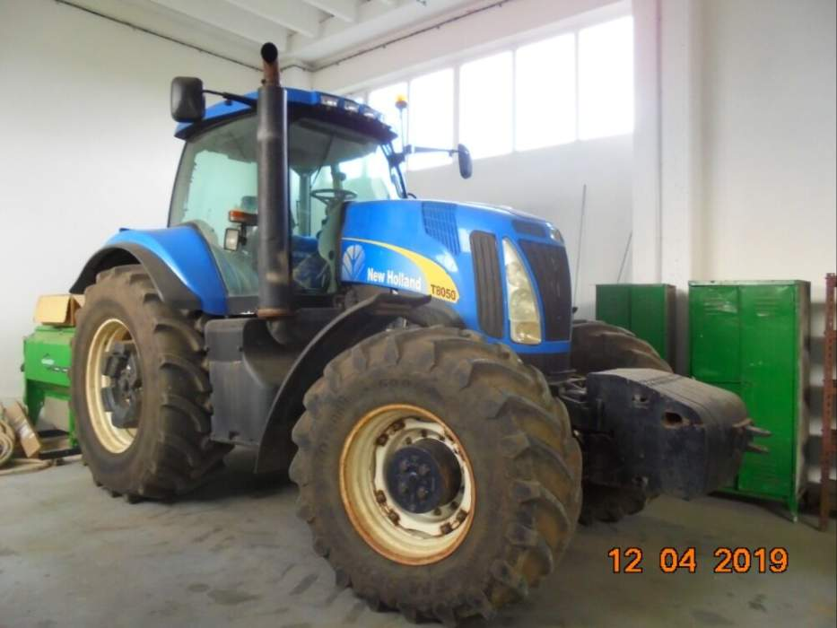 NEW HOLLAND - T8050